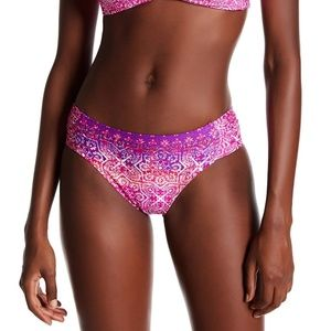 LA BLANCA tile side shirred hipster bikini bottoms
